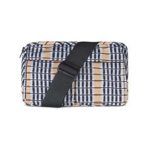 Sejeste taske 💖💖💖  Ubrugt, den er i samme str som de populære Mads Nørgaard tasker i den store model  #30dayssellout