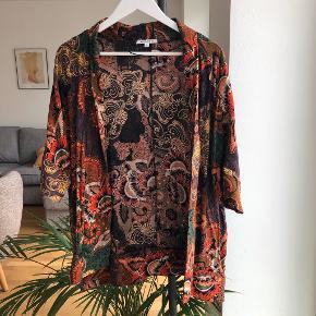 Glamorous kimono