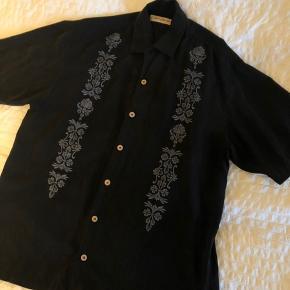 Vintage / genbrugsskjorte, købt i USA Har aldrig selv fået den brugt