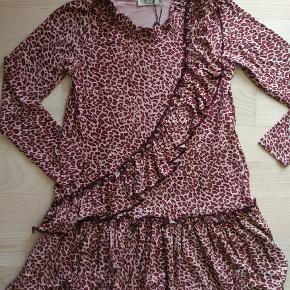 Sød kjole - Aldrig brugt.  Sælges for 205, - (+ porto)