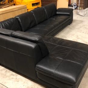 Lækker, komfortabel og stor lædersofa til salg. God men brugt. Skriv for mere info, evt. mål, evt. pris mv.