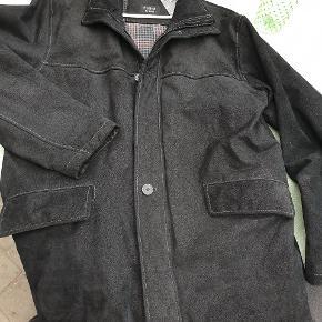 Kvalitets ruskins jakke fra patino by Auluna. Ny pris ca.1800 kr. Købt i læder/ jakke forretning. Kun brugt 1 gang. SOM NY!!!