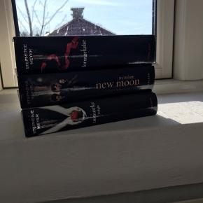 Sælger de først tre bøger i twilight serien. 1  for 10 kr 3 for 25 kr