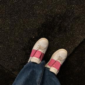 Ønsker at bytte mine Valentino sko, til et par andre Valentino.  Ellers andre mærkesko. Skriv hvad i har.  Str 36