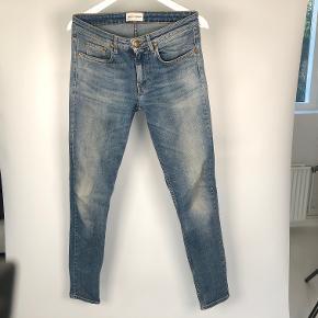 Str 30/32 Model: Shady A Blå slim fit Jeans fra Won Hundred