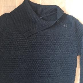 Super lækker og varm strik trøje fra Sibin Linnebjerg i str. S. Trøjen er i uldmix og brugt max 5 gange. Rigtig pæn stand uden huller eller pletter.