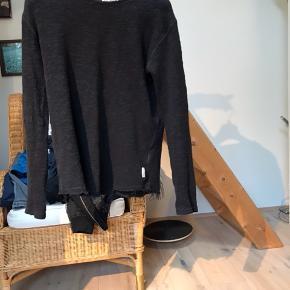 Fed bluse fra just junkies - nypris 500kr, sælges for 100kr :-)