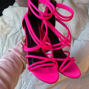 Co Wren heels