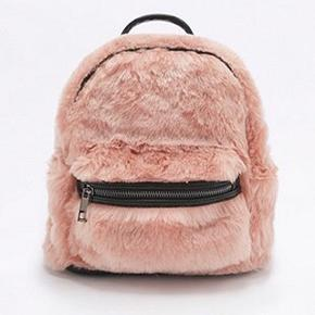 Pink Uo Mini Faux Fur Backpack - Womens All - Urban outfitters  Brugt 1 gang. Byd.