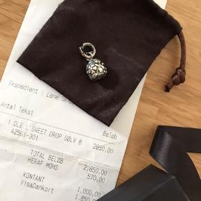 Sweet drop sølv blomst m brilliant Nr. A2561-301 Nypris 2850 Kvittering og æske medfølger