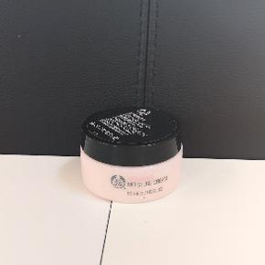 Ansigtscreme fra The Body Shop. Næsten ikke brugt 🌟 Kan sendes eller afhentes i Kolding/Egtved