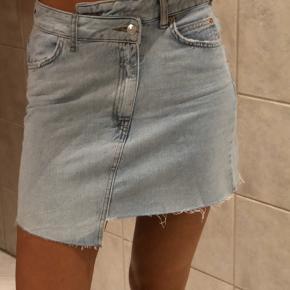 Fed anderledes nederdel fra Gina Tricot. Byd :)