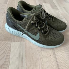 Nike lunarglide9. Str 43. Ikke brugt.
