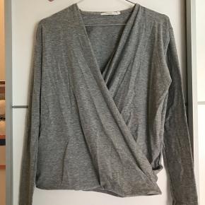 Sød slå-om bluse fra Mache  Str. X-small  Aldrig brugt  Byd gerne