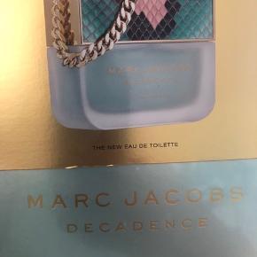 Skøn duft fra Marc Jacobs so decadent 50 ml eau de toilette spray  Ej åbnet købt i Magasin Århus  Nypris 640kr