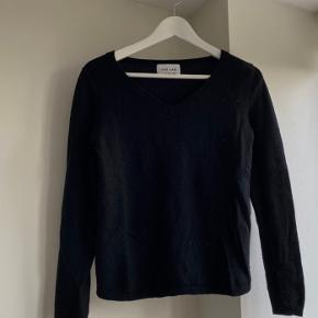 Fin sweater, som jeg ikke får brugt nok! ✨