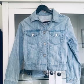 lyseblå cowboy / denim jakke fra Asos