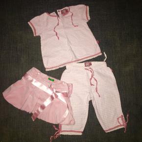 74 Tøjpakke tøjpakker sæt bukser bluse nederdel Benetton Ticket  lyserød hvid ternet