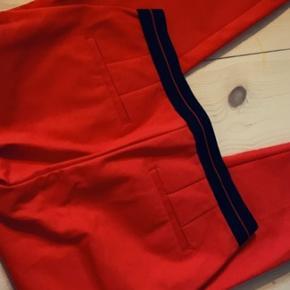 Sælger mine højtelskede suit pants fra Zara, da jeg ikke får dem brugt. De har kun været brugt 1 gang og fremstår som nye ❤️