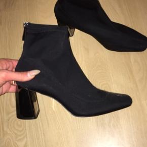 Zara ankel støvler med sølv hæl str 40 aldrig brugt