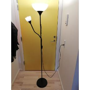 Floor lamp 'NOT' from Ikea. Two lightbulbs included.