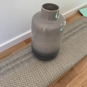 Vaserne står som nye - købt i Imerco fra casa Living  Stort billede, er som nyt