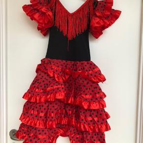 Flamingo kjole 6 år