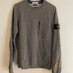 Stone Island Sweatshirt Størrelse: Small Condition: 9/10