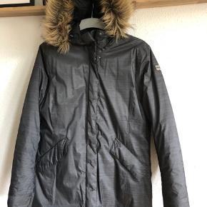 Fed jakke, brugt lidt 1 vinter Str m BYD gerne