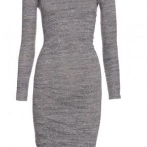 Den lækreste stretch kjole fra isabel marant i str 36. Brugt men i fin stand.