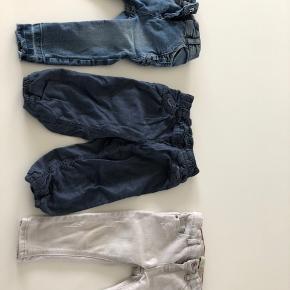 Zara grå buks kun brugt 1 gang. H&M elastik læs buks str 80 og slim buks med detaljer Tiny Denim Love str 80 brugt 2-3 gange. Sælges samlet.