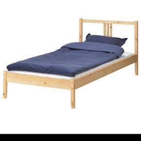 Ikea lit simplesingle bed  presque nouveau.   90x200 cm
