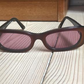 Vintage Chanel solbriller sælges, da jeg desværre ikke får dem brugt.