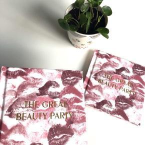 Magasin små søde notesbøger med læbe motiv i lyserød/lilla nuancer 💋👄💋 (Aldrig være taget i brugt) 📓🖊  Byd gerne kan både afhentes i Århus C og sendes på købers regning 📮✉️