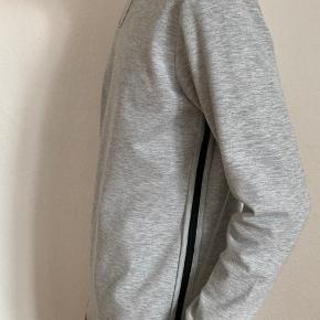 Model højde - 194 cm