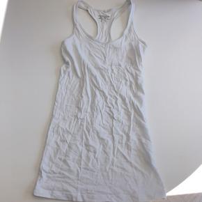 Helt almindelig hvid top fra pieces.  #sundaysellout