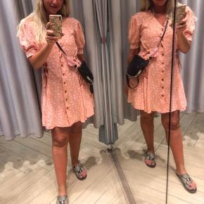 Smuk vintage kjole uden fejl og mangler   #secondchancesummer #sommerkjole #vintage #vintagekjole