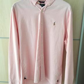 Varetype: Skjorte Størrelse: XXL Farve: Pink Oprindelig købspris: 999 kr. Prisen angivet er inklusiv forsendelse.  Har haft den på 1-2 gange. Næsten som ny.