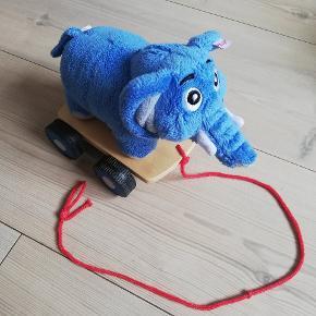 Bodil kjær lille elefant. Far til fire.