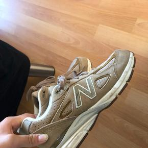Sælger disse sko, hvis rette bud opstår👍🏽 Kan tage flere billeder, hvis ønsket! Sælges til 1400kr 🌼