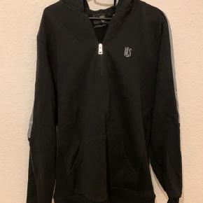 """Fed BLS hafnia """"Half-zip"""" hoodie.  Rigtig god stand. Kun brugt 2-3 gange. Sælger pga. for lille str.  #trendsalesfund"""
