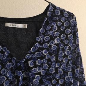 Sommerkjole fra Nakd.com - Byd!!  Køber betaler fragt.