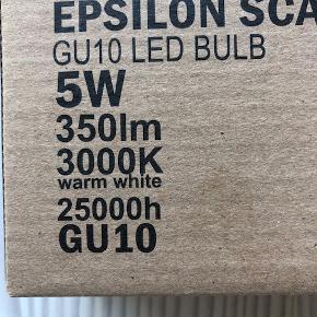 LED-spot pære 5W - GU10 - 5 stk. pr. æske  kr. 50,00 pr. æske  Mærke: EPSILON Scandinavia  Har et parti - NYE aldrig brugt  350 lumen  Varm hvid 25000 timer  BYTTER IKKE VED-ts-handel betaler køber ts-gebyret