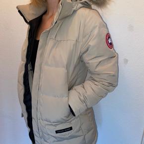 Original Canada Goose jakke, næsten ikke brugt!