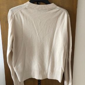 Ren cashmere bluse fra & Other stories