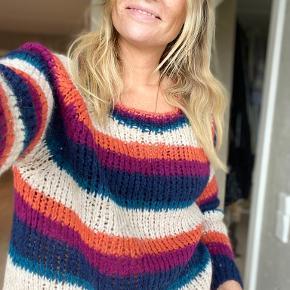 Educe sweater