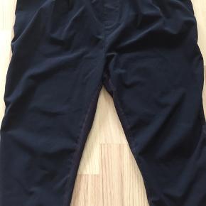 Dejlige bukser fra kaffe lillebitte lysere ved skridt