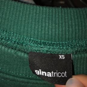Super fin sweater fra gina tricot i en str xs. Næsten aldrig brugt.