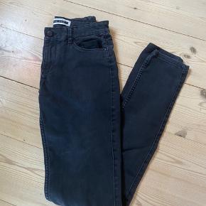 Fine bukser fra noisy May med ok længde.