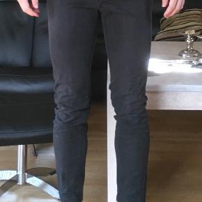 Helt igennem flotte og behagelige bukser